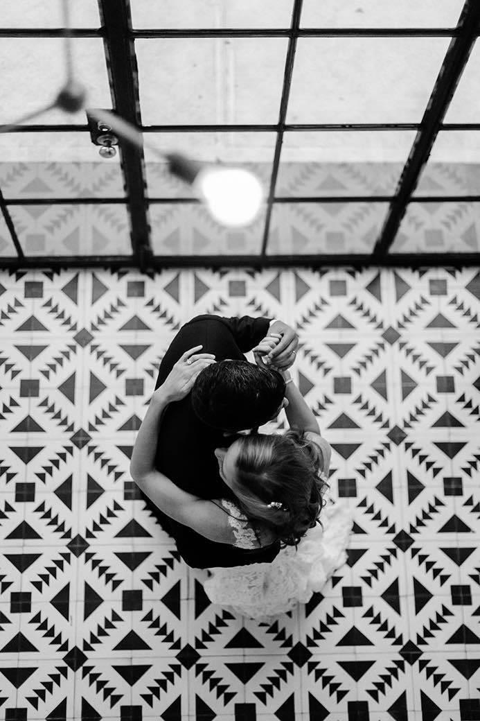 couples wedding dance