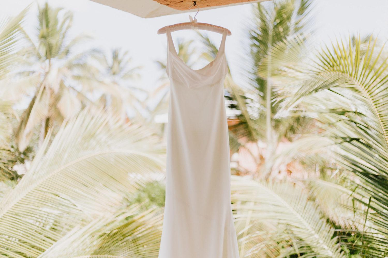 coronavirus affects wedding dress orders